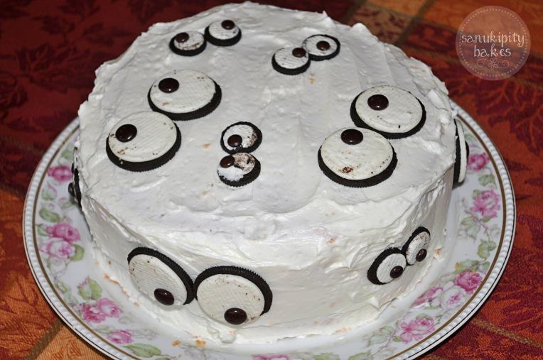 monster eye cake